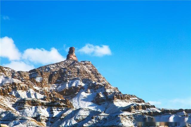 甘德尔山位于内蒙古西部乌海市境内,黄河东岸,属贺兰山北部余脉,甘德