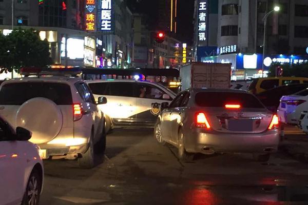 贵港夜晚风景图