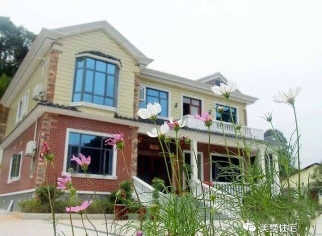 经典的田园风格小别墅,不管是建在田间小路,还是建在乡镇街道旁,无论