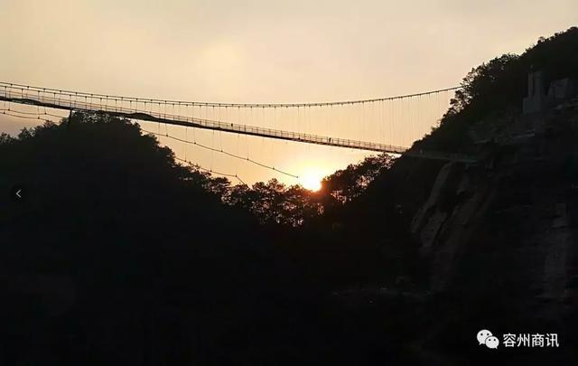 刺激!容县都峤山玻璃桥即将开放!