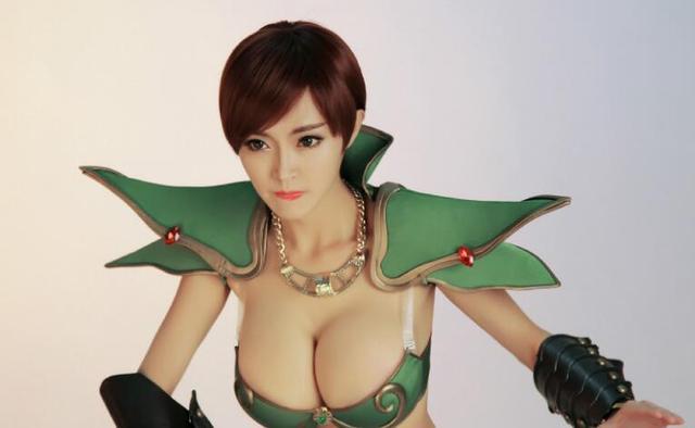 """被视为国内""""最棒胸膜""""王李丹妮都没有可比性,网友:果然是最棒"""