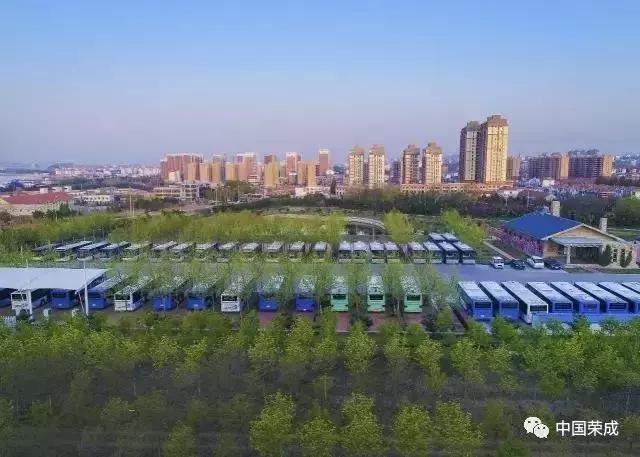 滨海公园,十里河公园停车场 滨海公园位于荣成市新体育馆东,内设有7