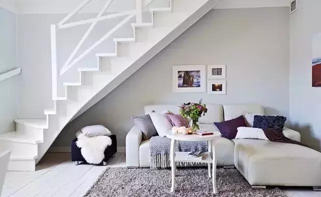沙发 楼梯 效果图