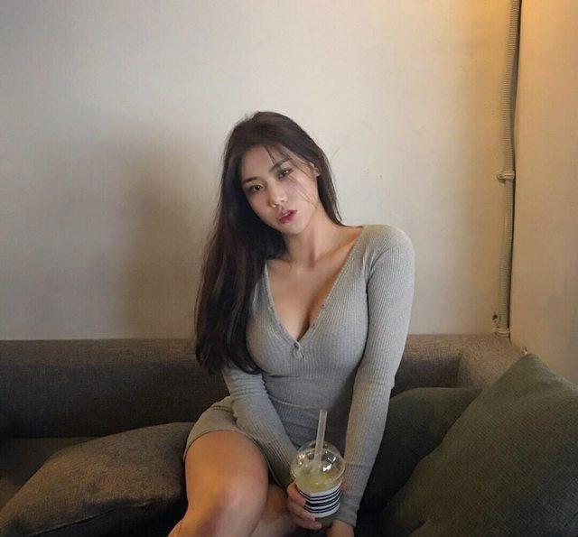 """亚洲""""卡戴珊"""" 韩国网红模特金雅珠 行走版莫言小说"""""""
