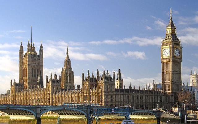 伦敦铁塔简笔画