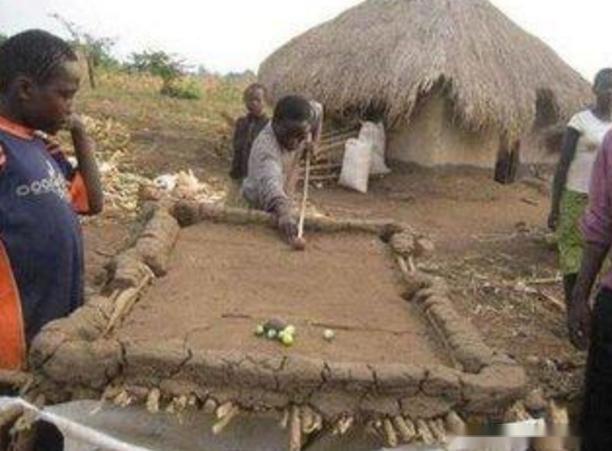 世界上有一种人类,饿死不种田,渴死不打井,穷死不干活