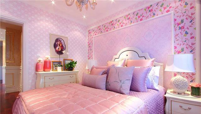 女儿房 卧室软装搭配以棕色,金色,粉色等,表现出古典欧式风格的华贵