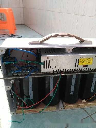 自制电容点焊机,用四个日立25伏560000uf电容
