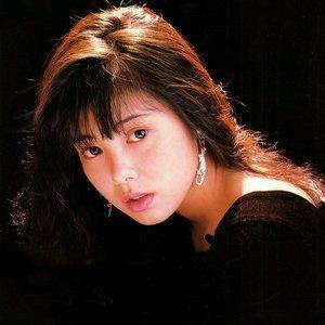 其实,丽娜的扮演者吉本多香美并没有下海,只是参与过一部叫做《皆月》