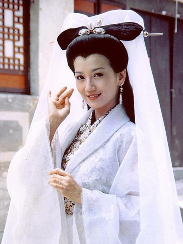 新白�zke9il�/(9..�h�9��_《新白娘子传奇》最初主演是林青霞和潘迎紫?别开玩笑