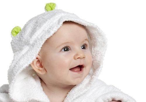 宝宝冬天睡觉要戴帽子吗?看完知道该怎么做了