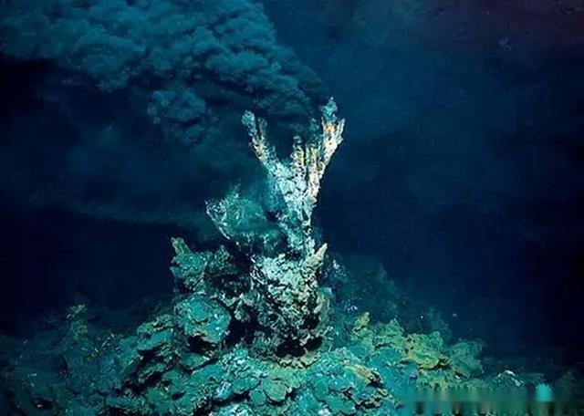 海底1万米图片
