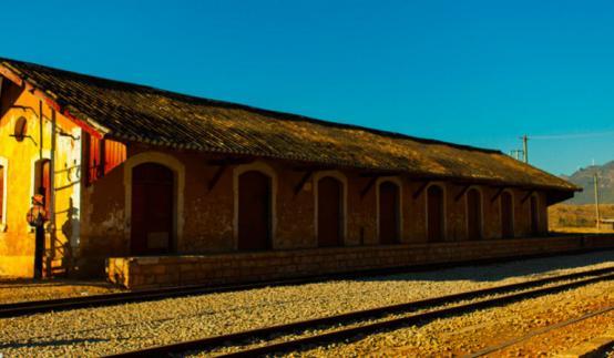 1959年,碧色寨与蒙自的寸轨被拆除,碧色寨不再是滇越铁路与个碧石