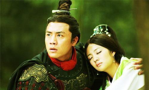 这部剧主要是以三世的角度描写了女主韩冬儿与男主蒙天放以及秦始皇发