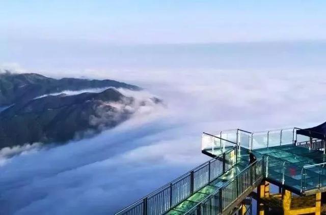 它就是 清远金子山1417米高度 全广东海拔最高玻璃桥观景组合 清远