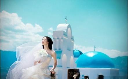 迪丽热巴大学时拍的婚纱照曝光 模样青涩眼神非常娇羞