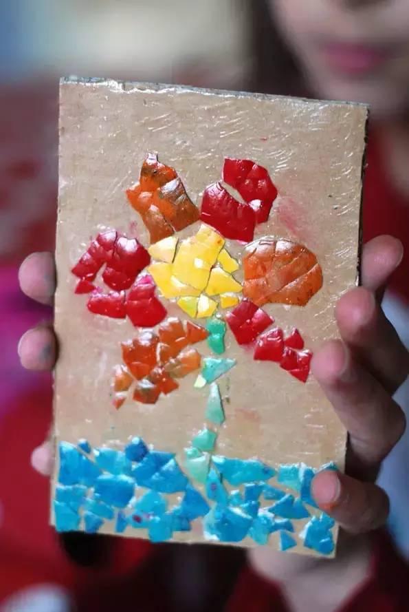 幼儿园亲子手工之废物利用:鸡蛋壳粘贴画,马赛克风格