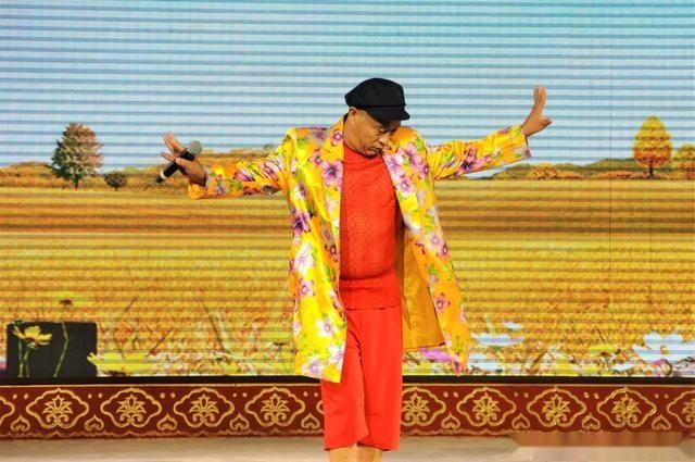 《乡村爱情》赵四向你发来邀请:今晚北京前门刘老根大舞台一聚!图片