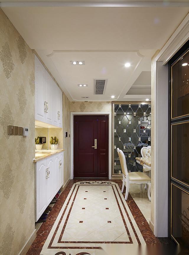 这套房是135平米的,简欧风格,有点小奢华,半包就花了15万,曾经被网友