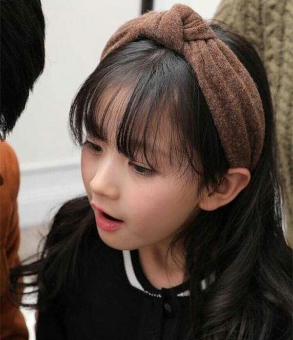 王思聪连八岁小女孩都关注?这个八岁小网红究竟长什么