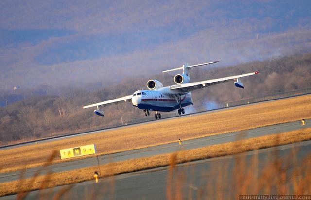 相比而言,俄罗斯别-200es喷气式水上飞机于2016年5月30日在俄罗斯