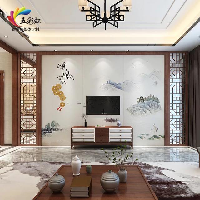 4,新中式微晶石电视背景墙搭配实木花格装修效果