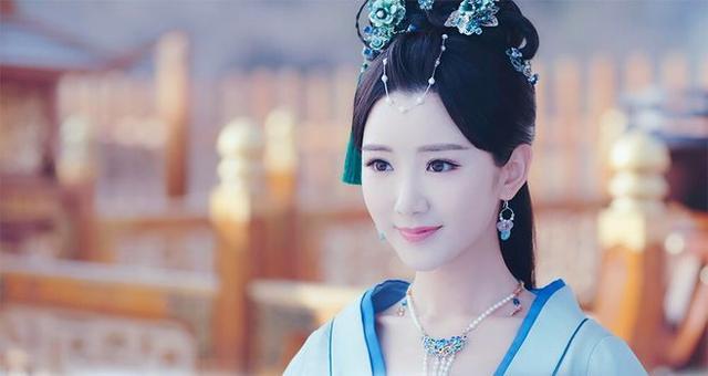 毛晓彤在《锦绣未央》中9个造型,导演怕是对姿色普通有什么误会 电视综艺 第9张