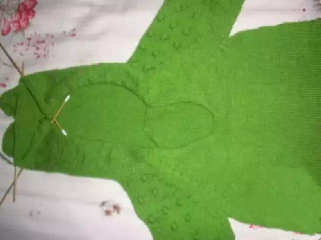 「旅行青蛙」为你的蛙儿子织一件温暖的连体裤(附图解) 时尚潮流 第16张