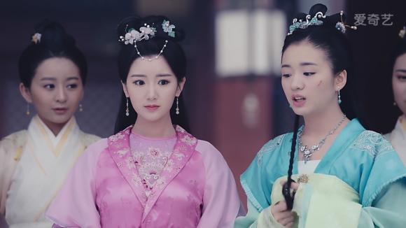 毛晓彤在《锦绣未央》中9个造型,导演怕是对姿色普通有什么误会 电视综艺 第16张