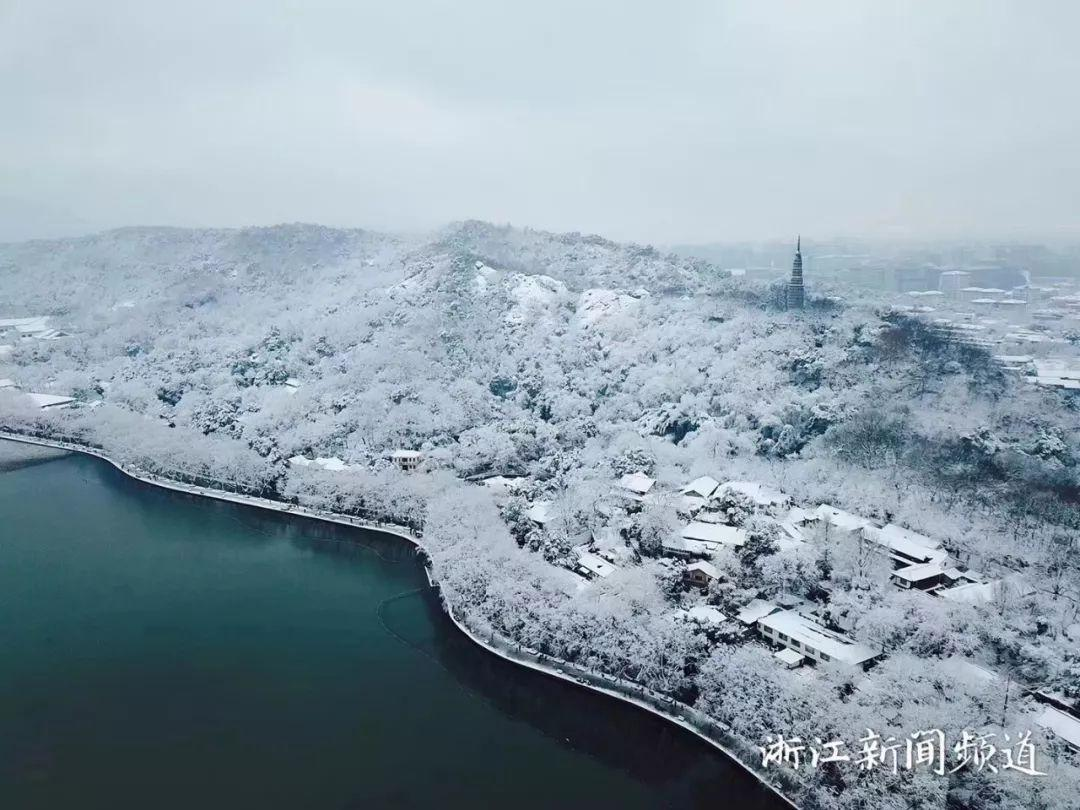 真•断桥残雪终于出现了(美哭!), 西湖边已是人从众人人从众从众人人人 网络热点 第11张