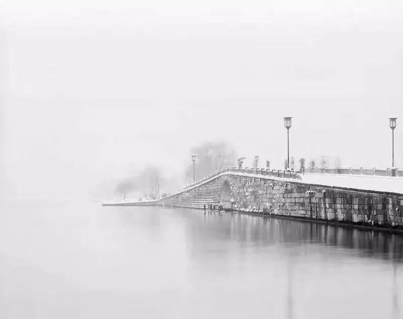 真•断桥残雪终于出现了(美哭!), 西湖边已是人从众人人从众从众人人人 网络热点 第24张