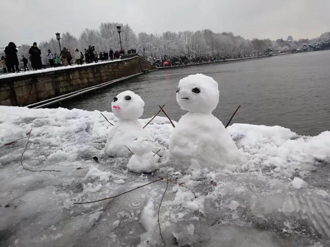 真•断桥残雪终于出现了(美哭!), 西湖边已是人从众人人从众从众人人人 网络热点 第23张